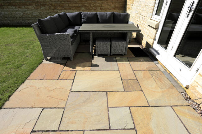 Rippon Buff Mixed Indian Sandstone Paving